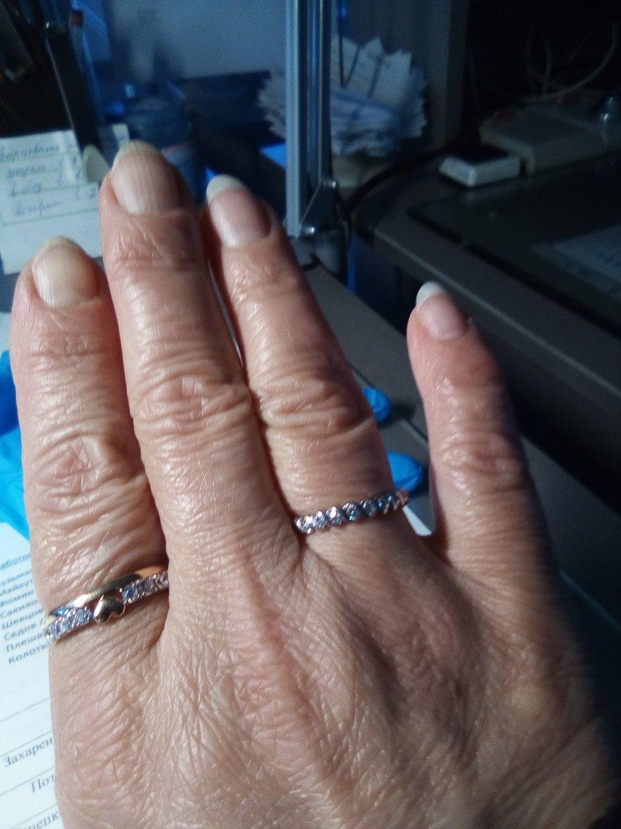Серебряное колечко с фианитами