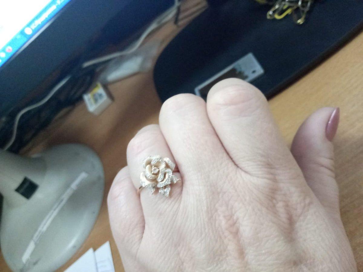 Роза в бриллиантах