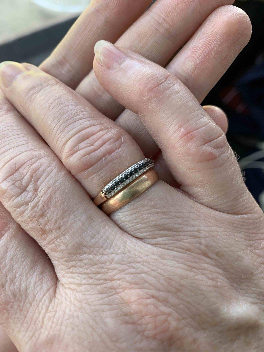 Кольцо с чёрными брилиантами