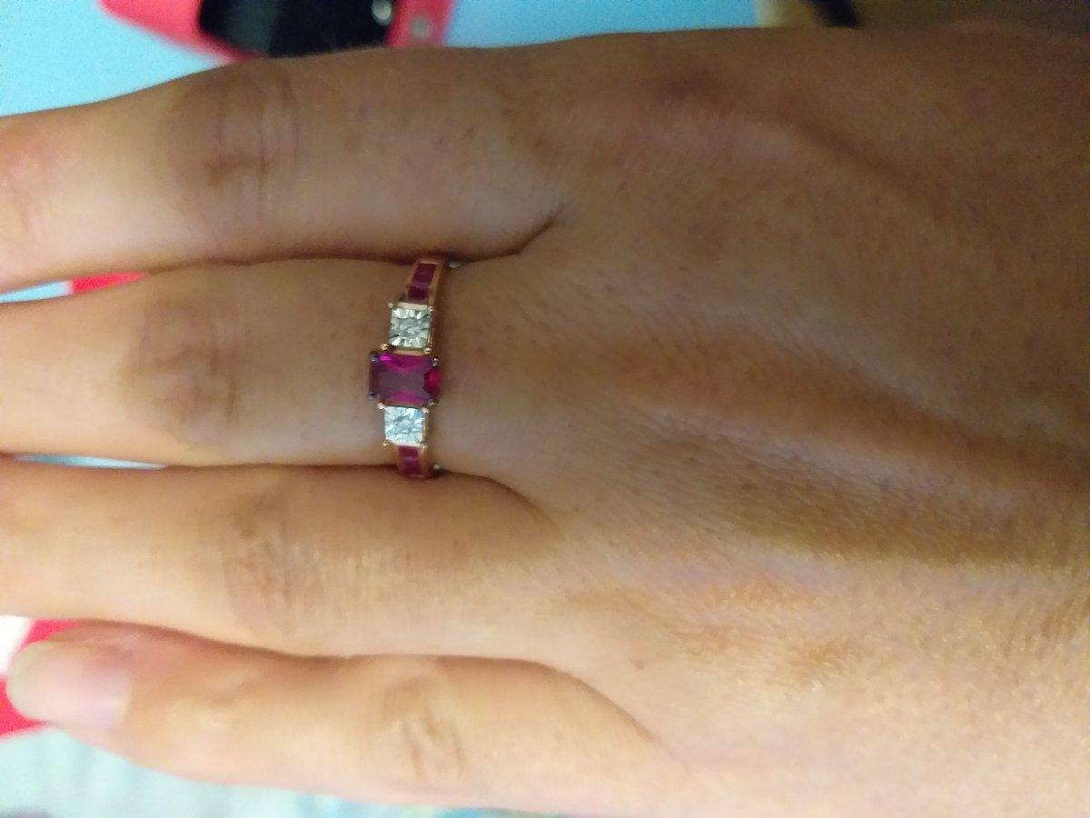 Колечко с рубинами и бриллиантами