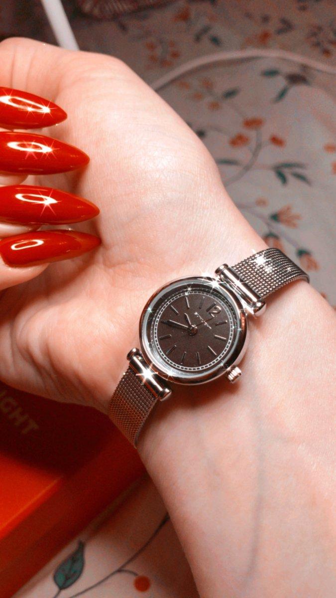 Часы хорошие,красивые,на каждый день!