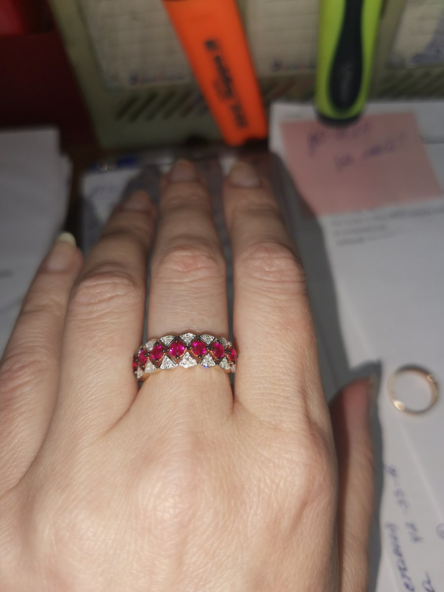 Бриллиантово-рубиновая красота