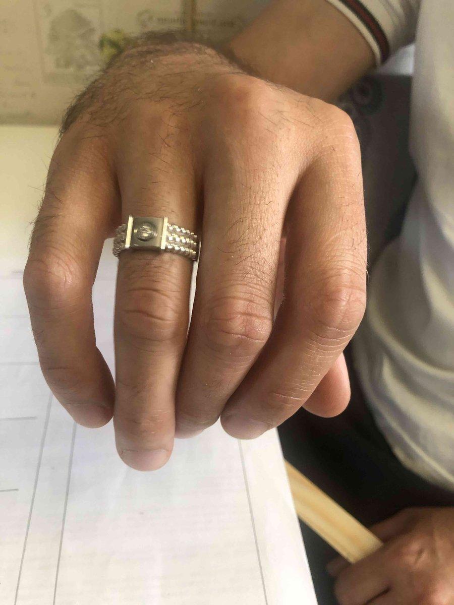 Кольцо покупали как обручальное