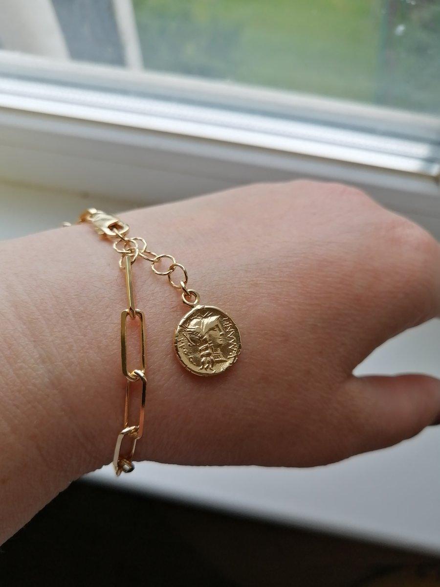 Серебряный браслет с монетками