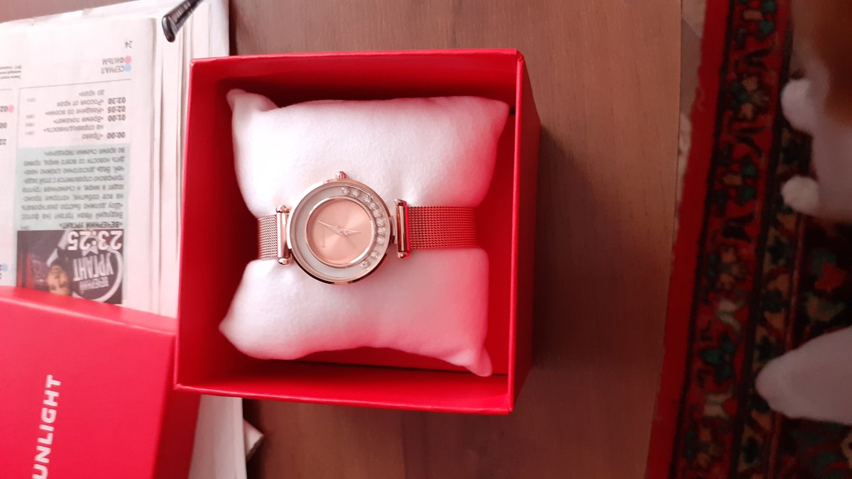 Очень хорошие часы, изящно выглядят на руке