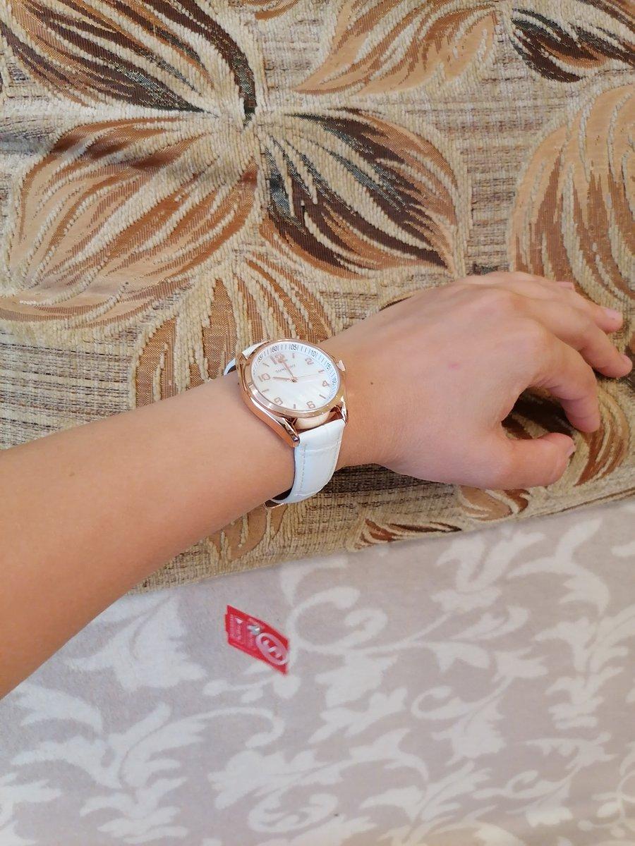 Хорошие небольшие часы.