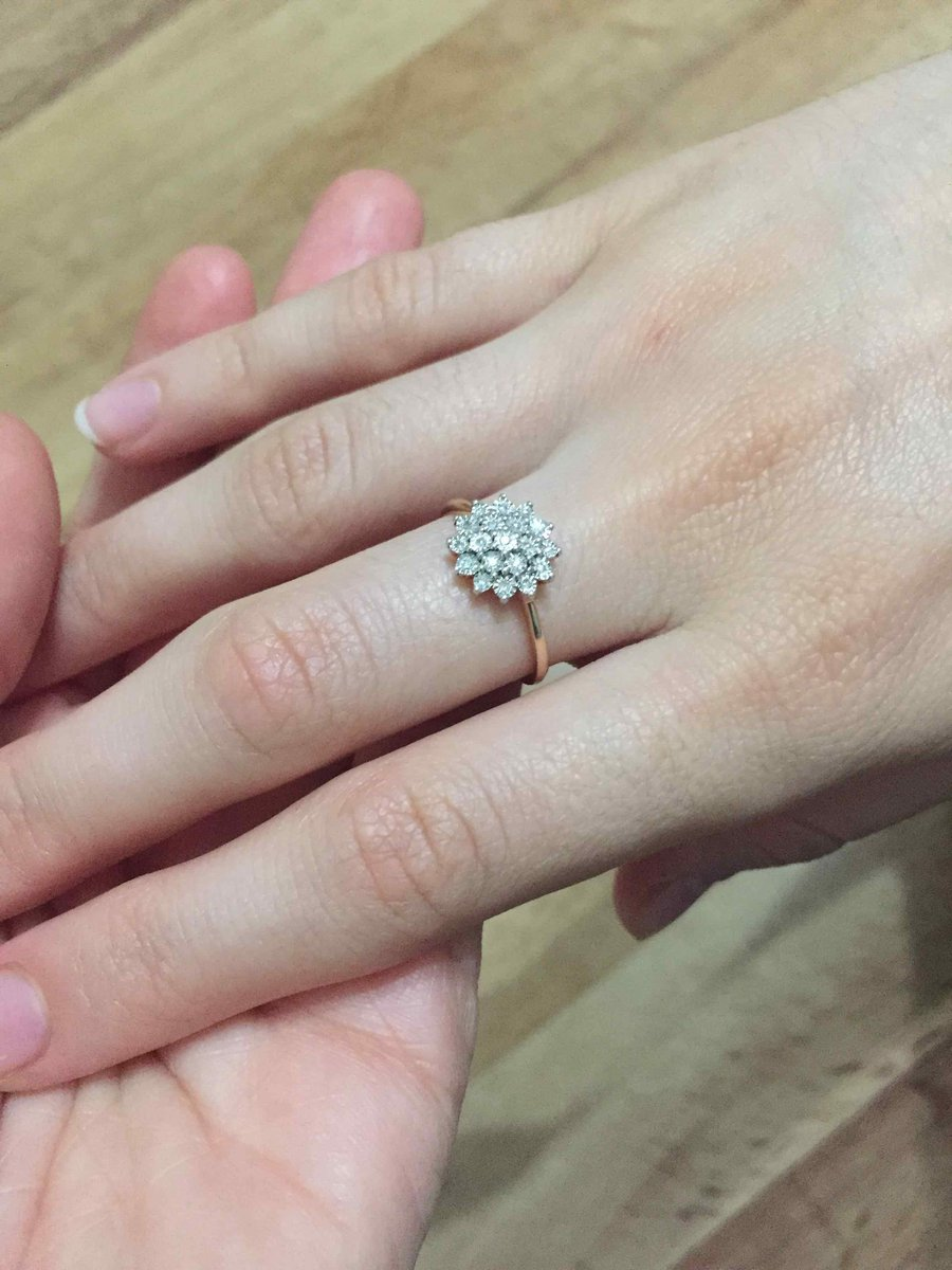 Кольцо идеально подходит для девченок.