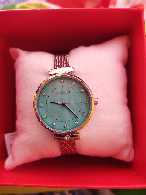 Часы покупала в подарок для подруги,понравились. Носит с удовольствием.