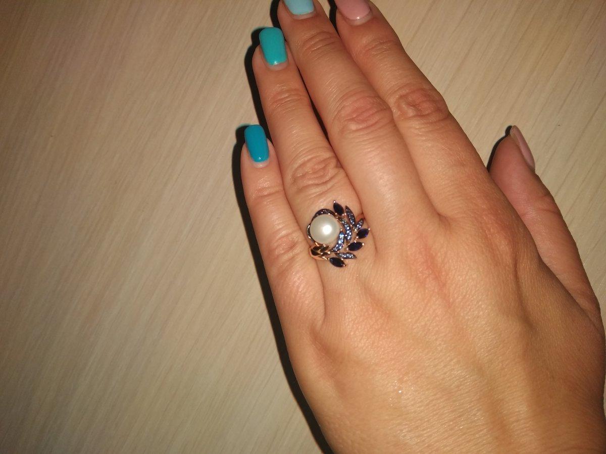 Кольцо очень красивое и нежное