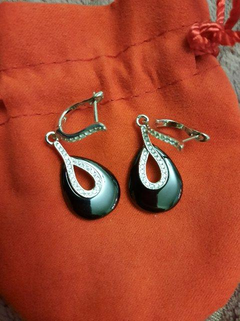 Серебрянные серьги с керамической вставкой