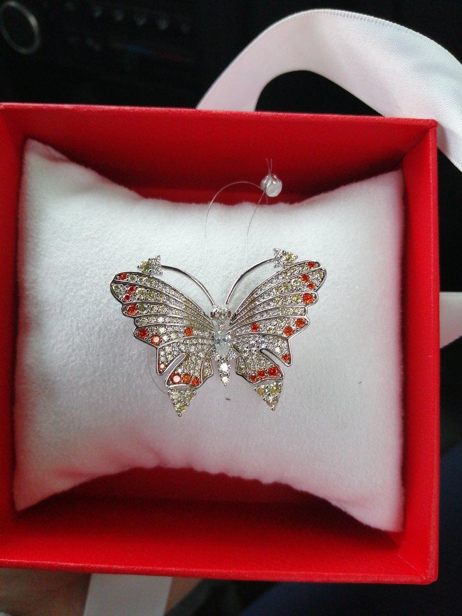Брошь-бабочка