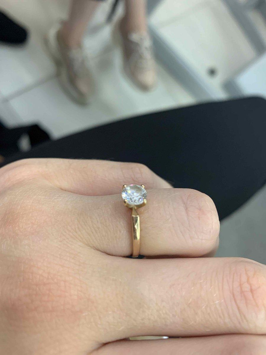 Идеальная кольцо, на каждый день так и на выход в свет!)