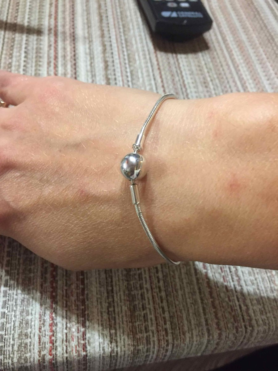 Лаконичный браслетик серебрянный
