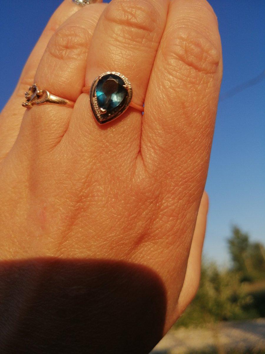 Кольцо с топазом лондон.