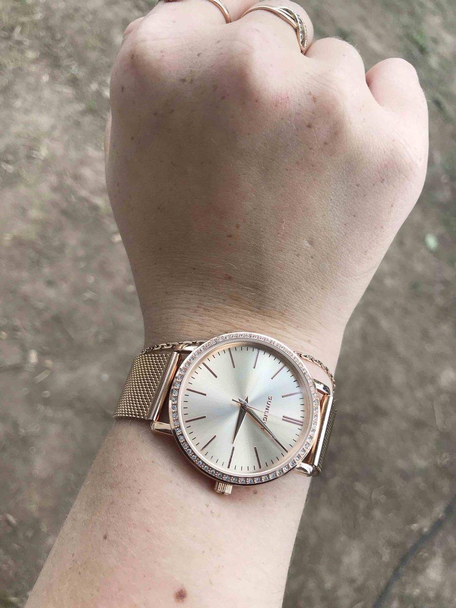 Отличные часы! просто супер!