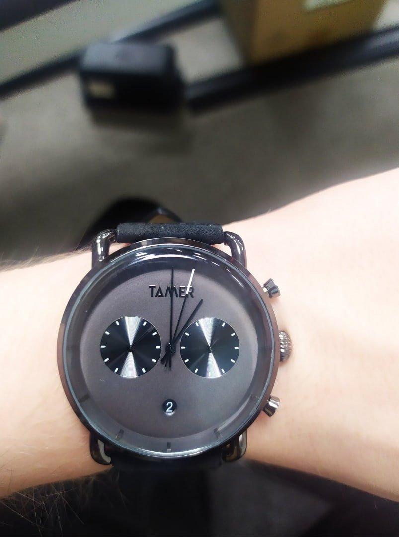Элегантные, современные мужские часы