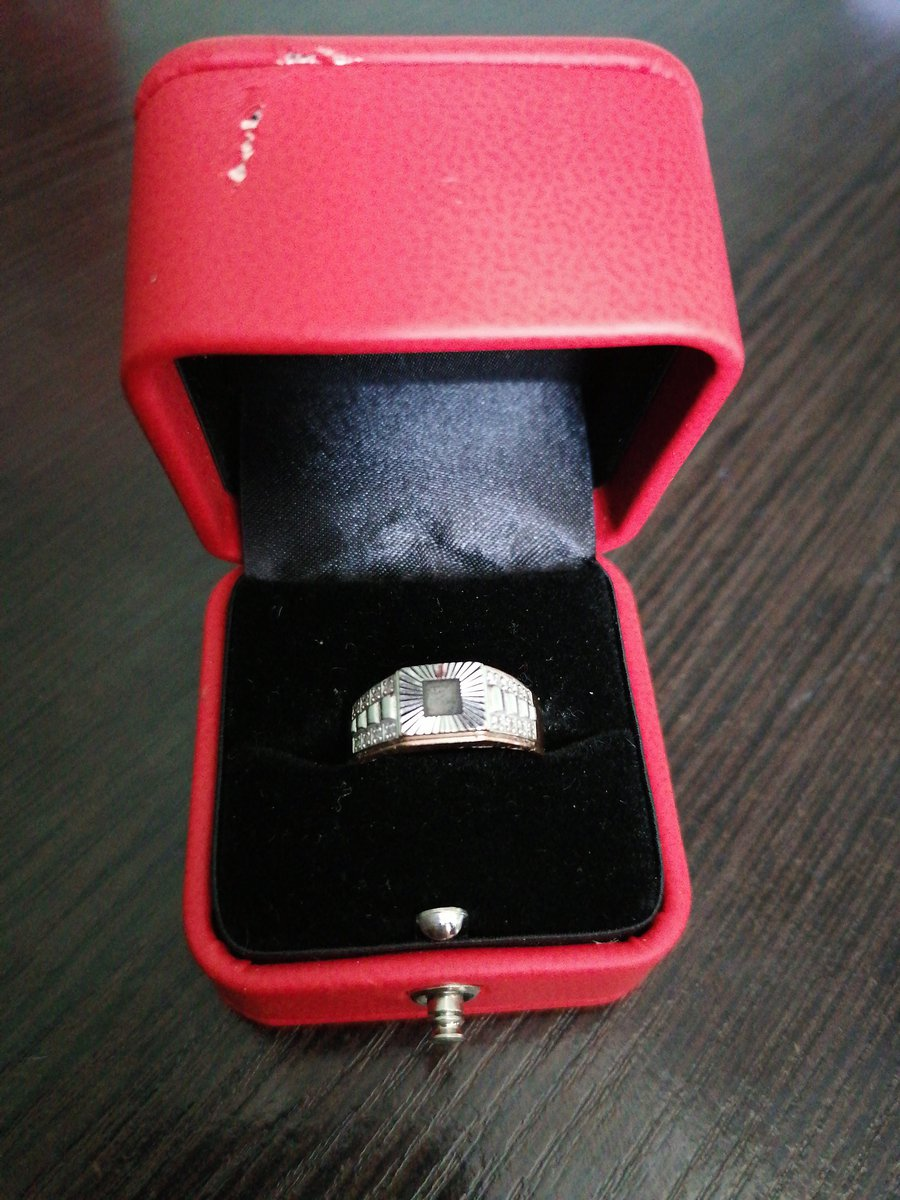 Золотое кольцо с фианитами!!!