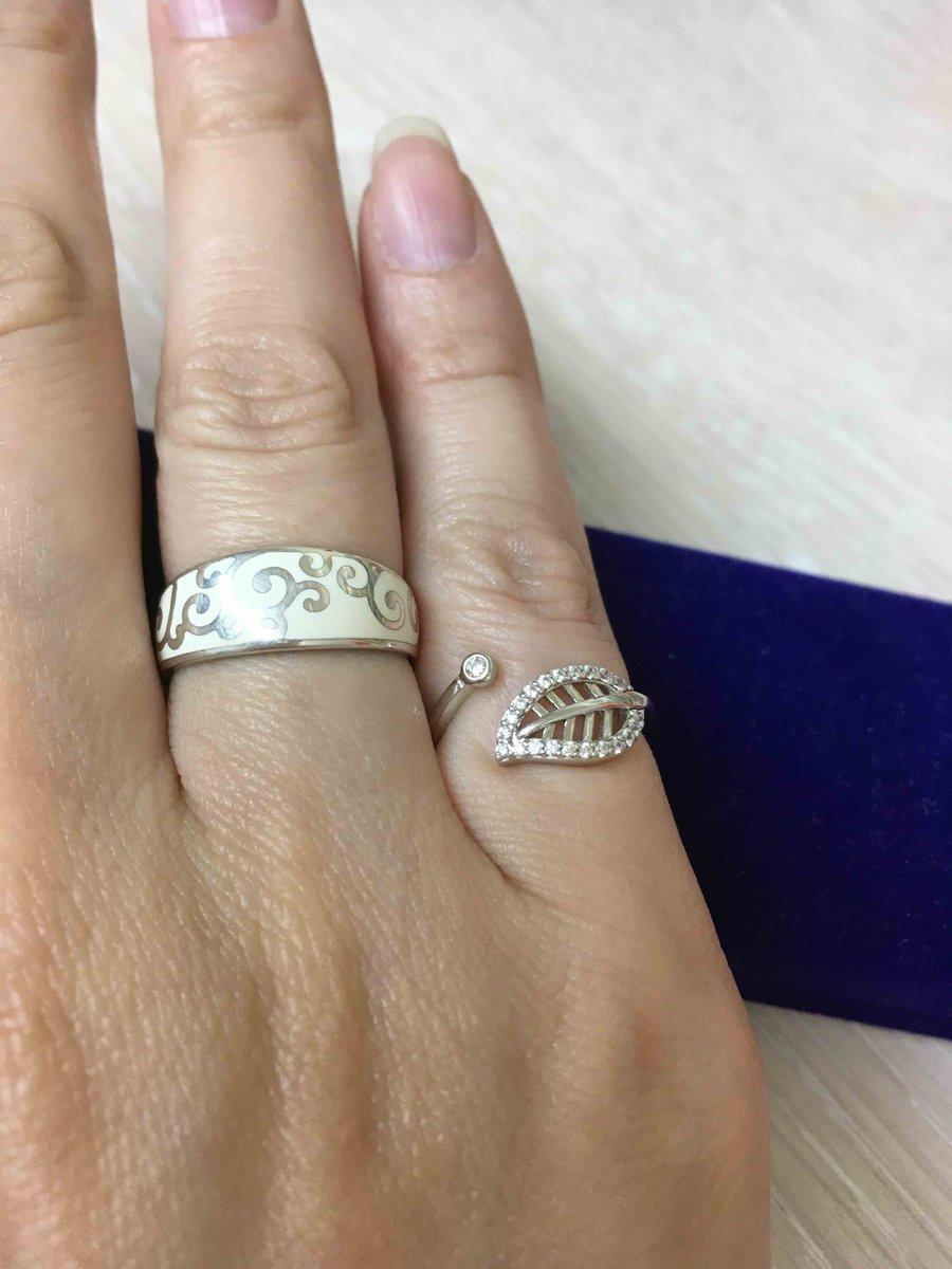 Милое кольцо на мизинчик