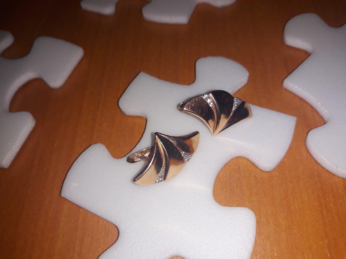 Серьги в форме листочек