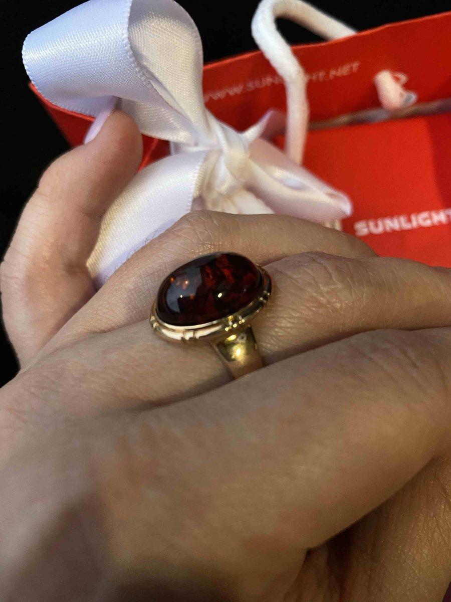 Шикарное кольцо из янтаря