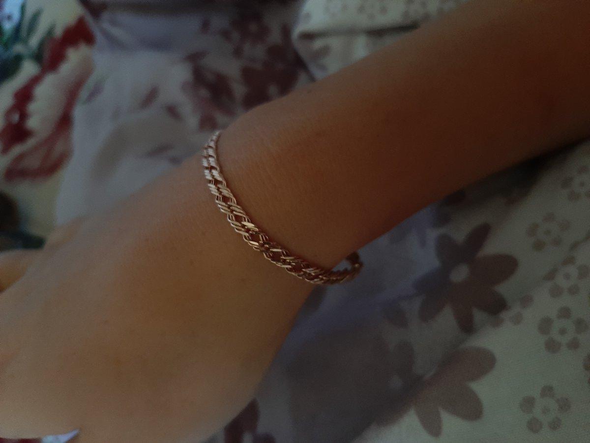 Золотой браслет-мечта каждой женщины.
