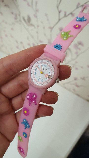 Детские часы, с удобным резиновым ремешком.