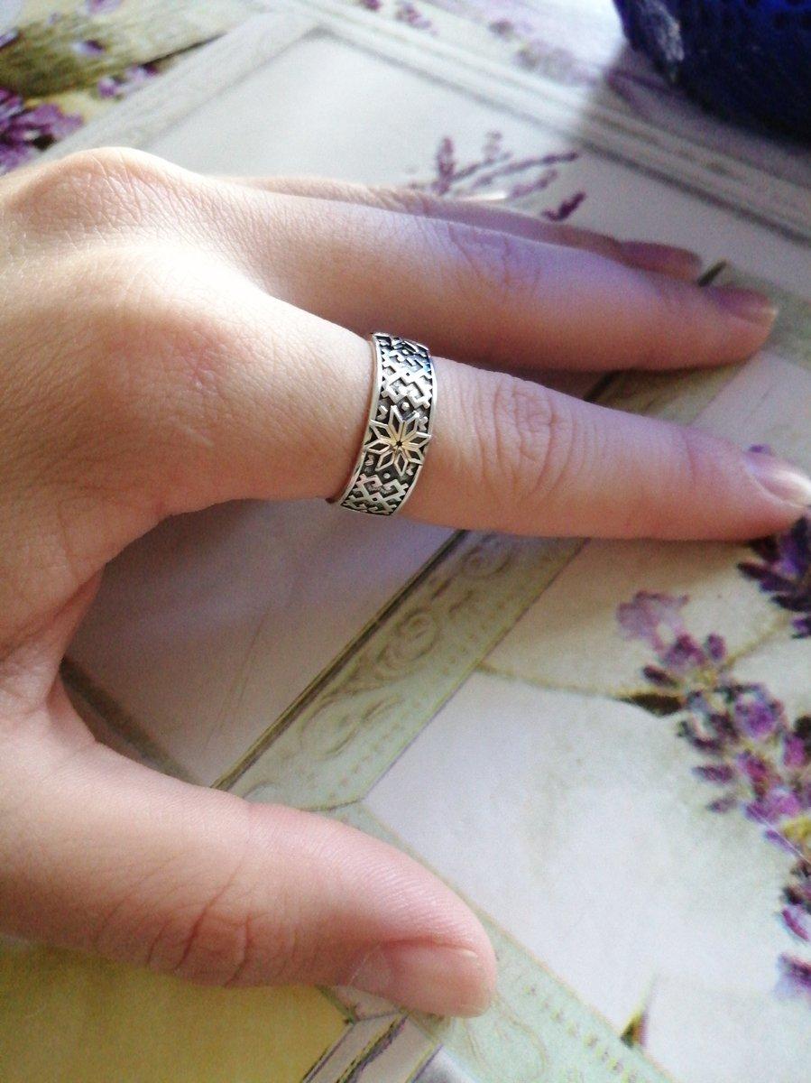 Кольцо удобное, давно такое искала