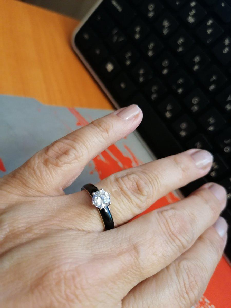 Серебряное колечко с эмалью и феанитами
