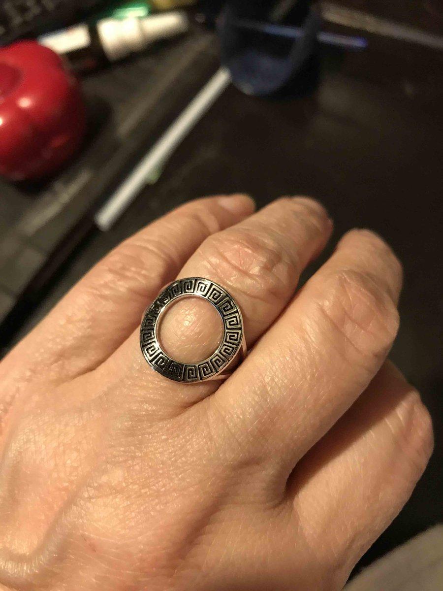 Дизайнерское кольцо.