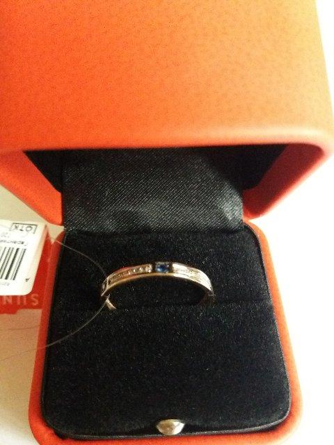 Нежное кольцо с сапфирами и бриллиантами