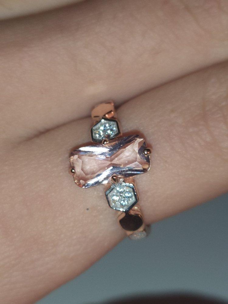Кольцо под розовое золото