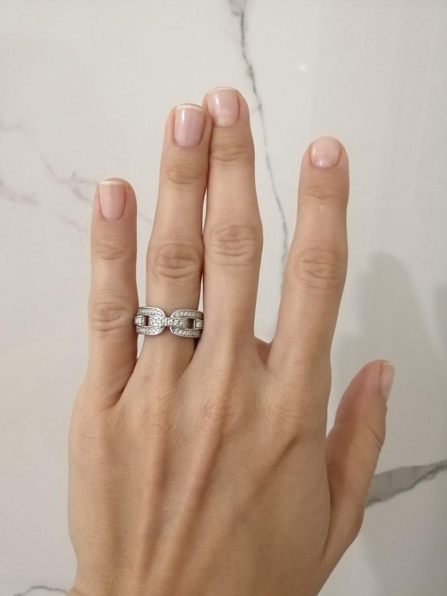 Трендовое серебрянное кольцо, в виде цепи, с камнями по всей поверхности