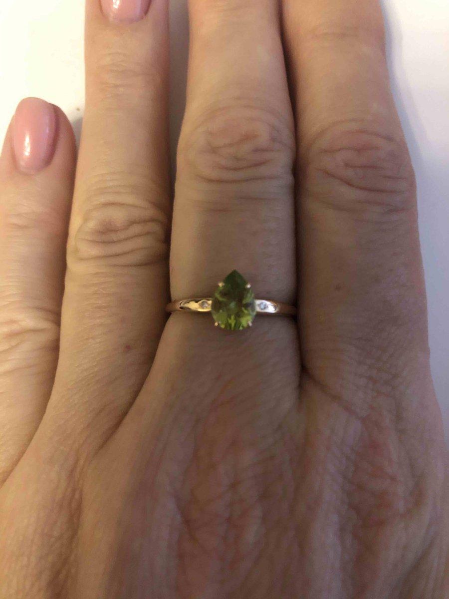 Колечко с хризолитом и крошечными бриллиантами 🍃🍃