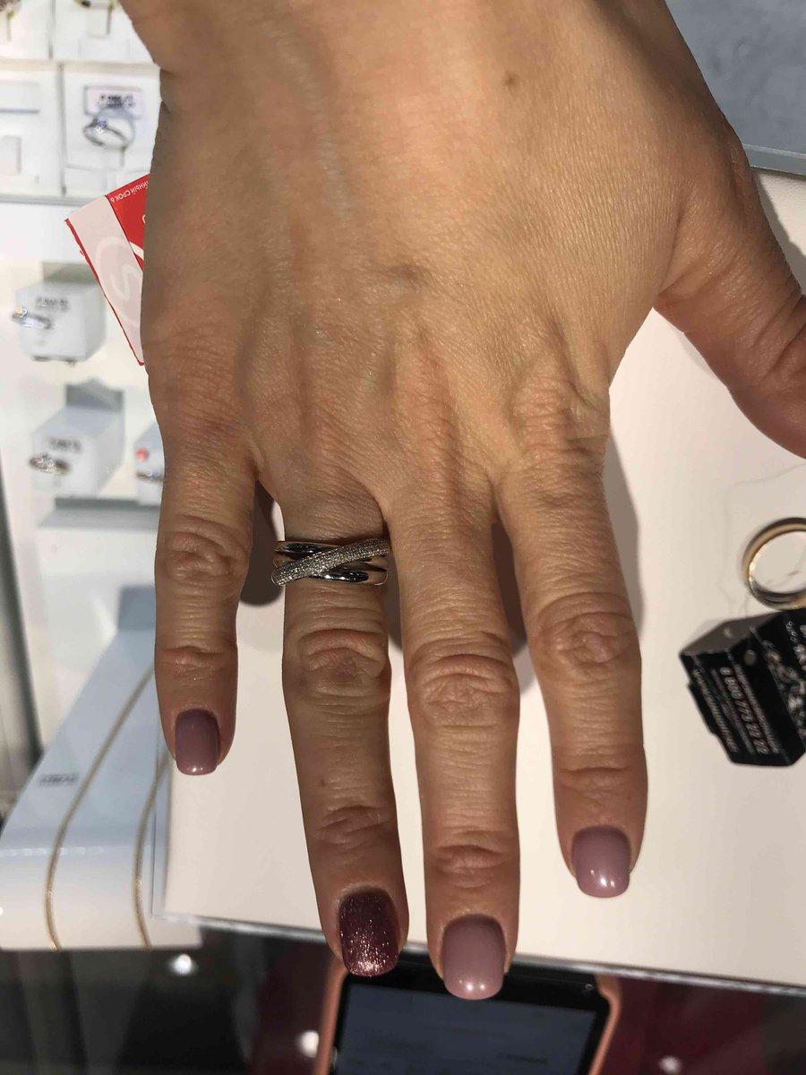 Кольцо с брилоиантами