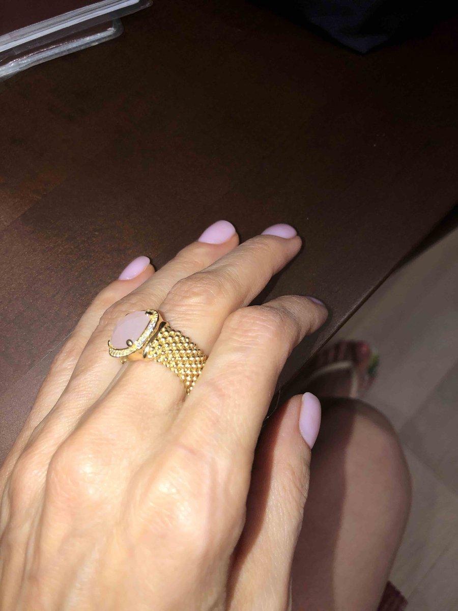 Кольцо роскошное и стильное