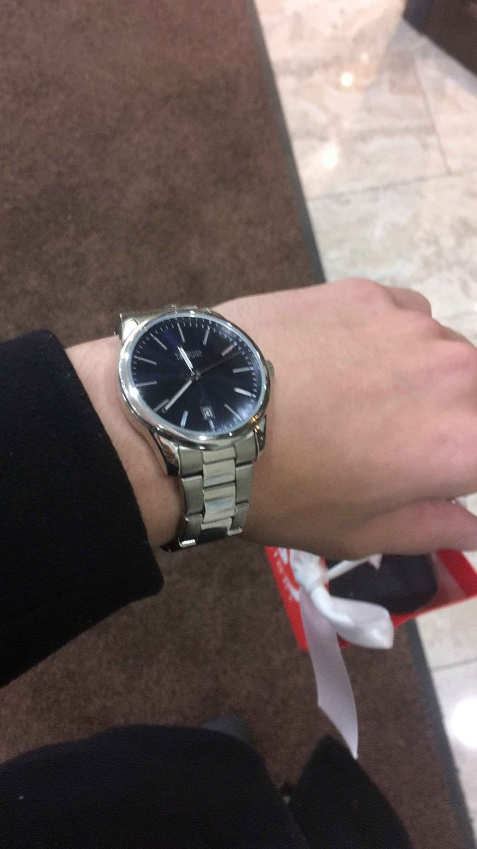 Хорошие часы, очень доволен покупкой.