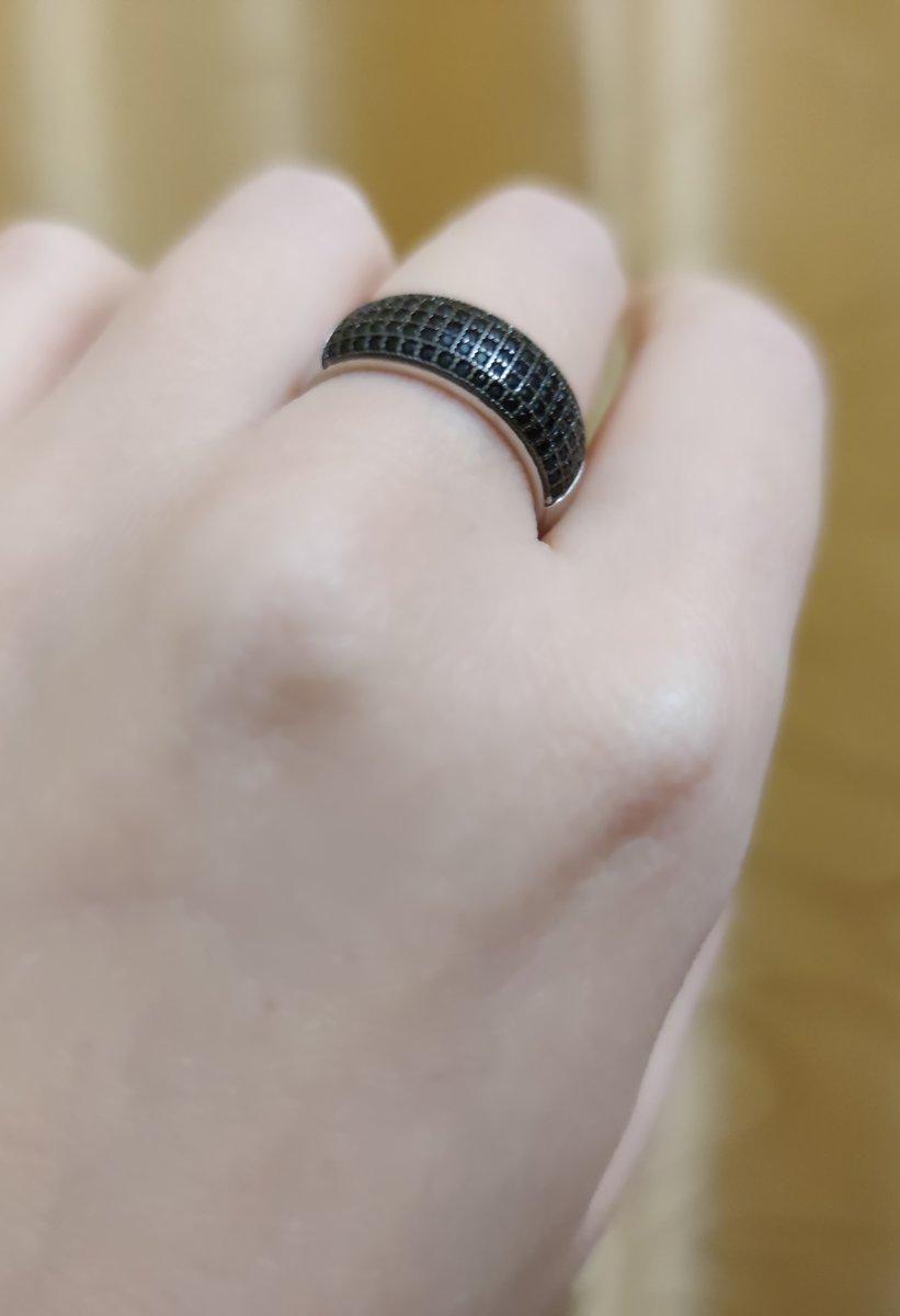 Кольцо с чëрными фианитами