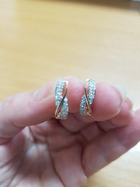 Золотые серьги с бриллиантами!