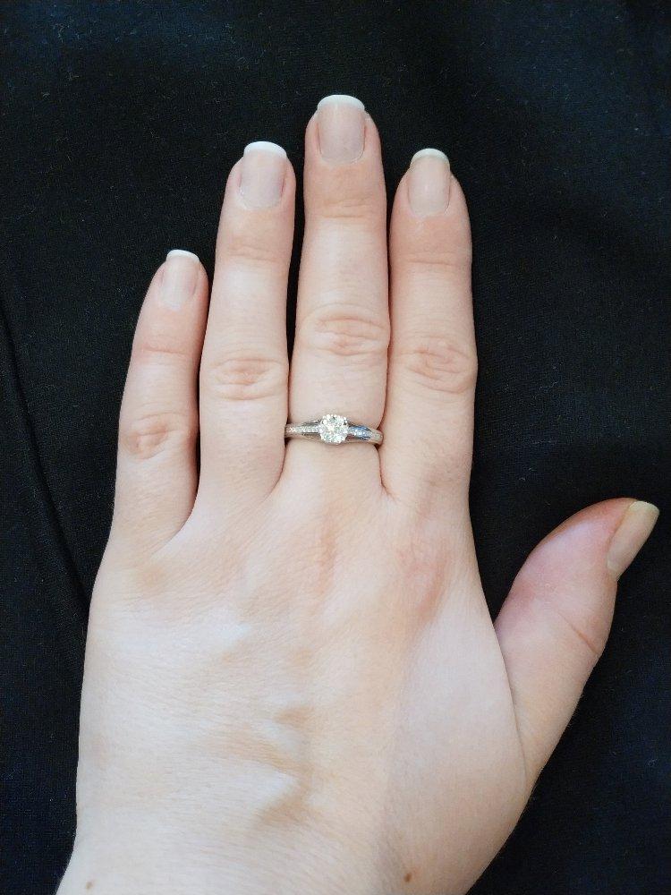 Мое первое колечко из белого золота))