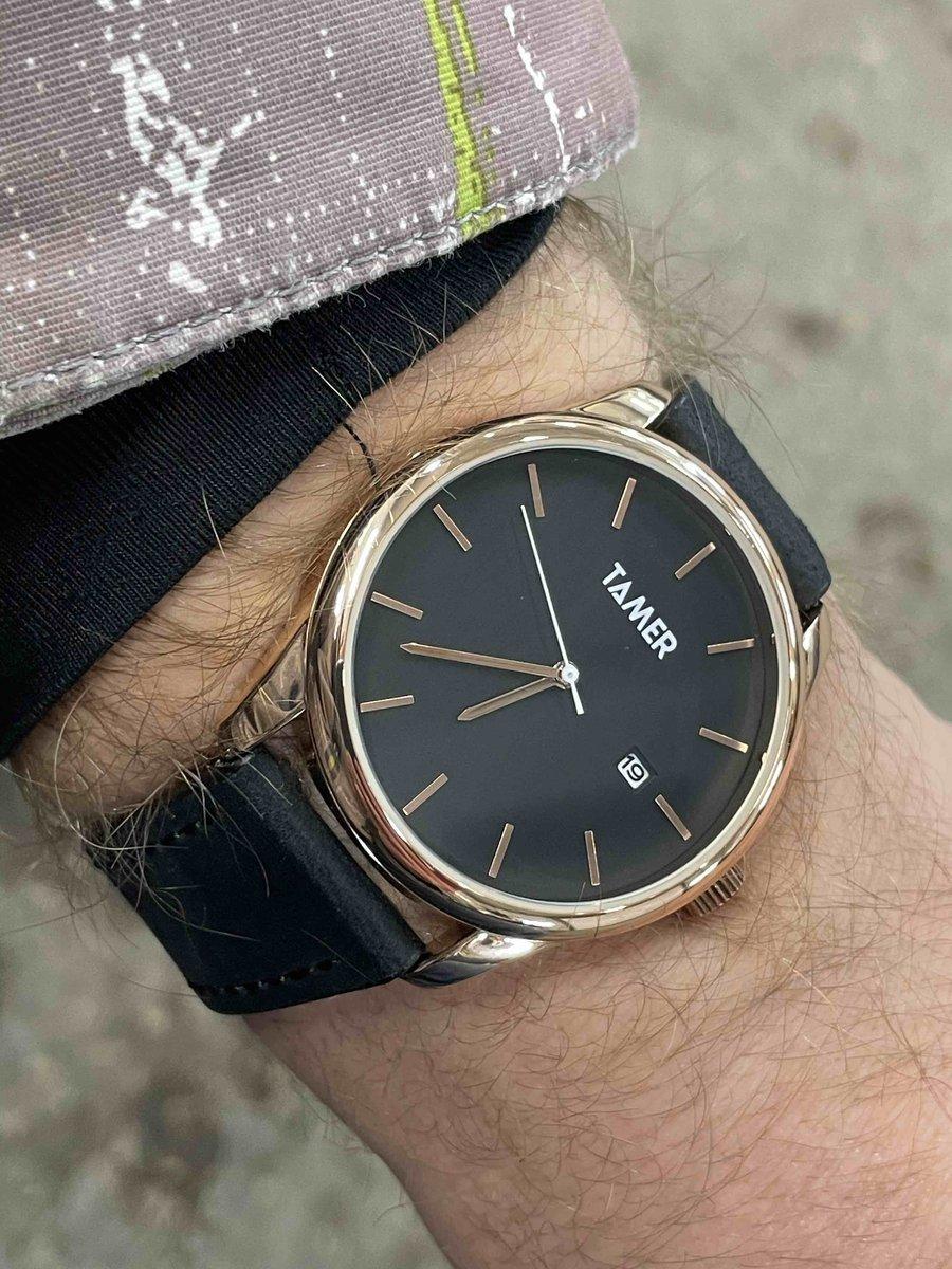 Красивые часы, нужно белые ещё приобрести