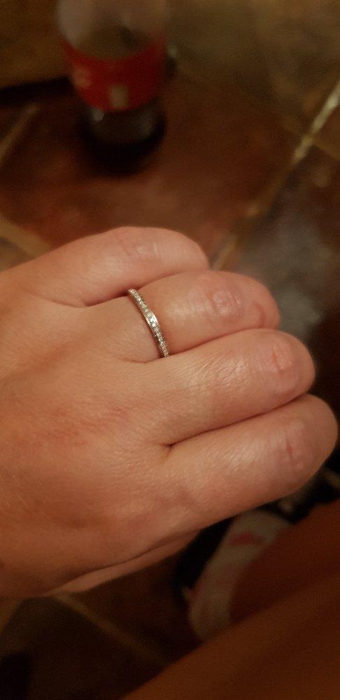 Кольцо с бриллиантами .