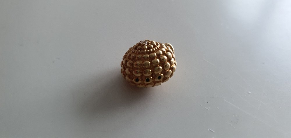 Подвес из лимонного золота