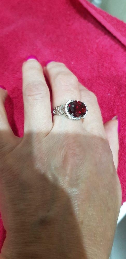 Серебрянное кольцо с гранатом