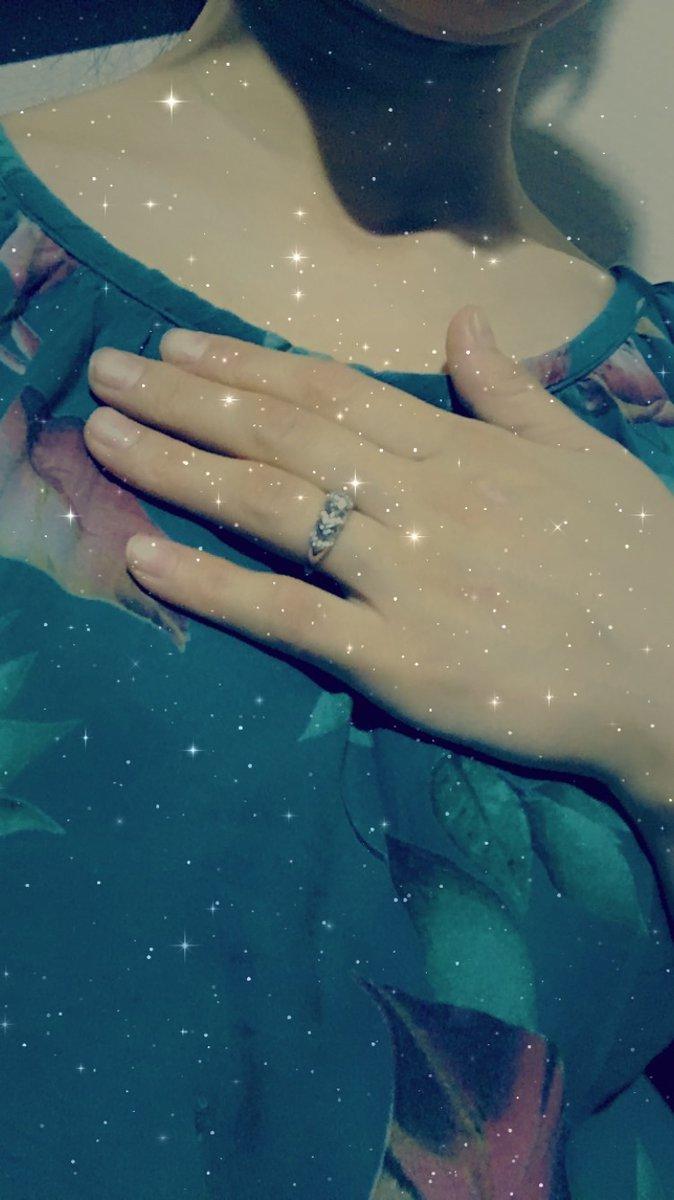 Очень красивий кольцо муж подарил мне очень очень нрявиться