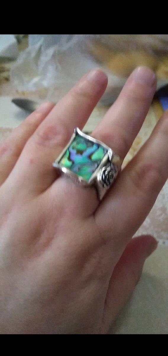 Перстень с перламутром