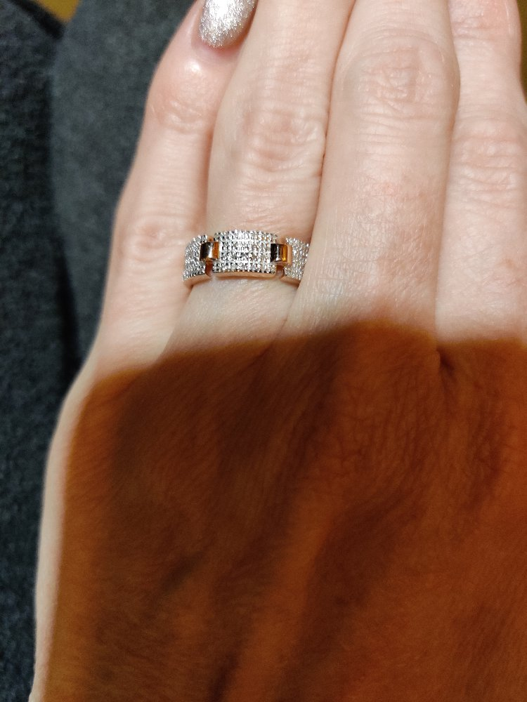 Очень красивое,горит бриллиантами 🔥