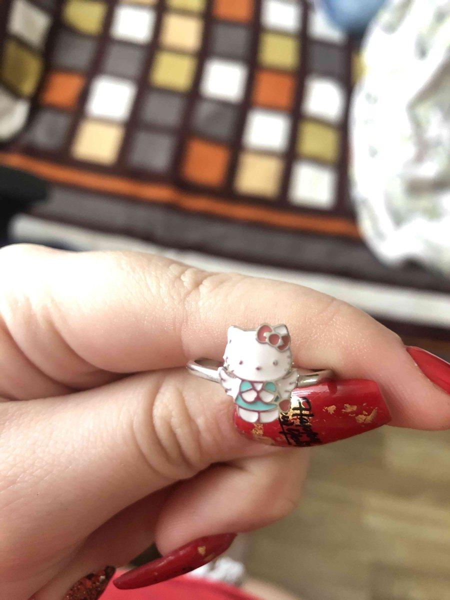 Серебряное кольцо с эмалью с hello kitty