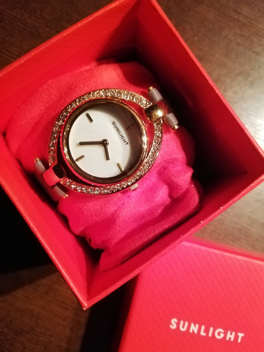 Часы-подарок 🎁.