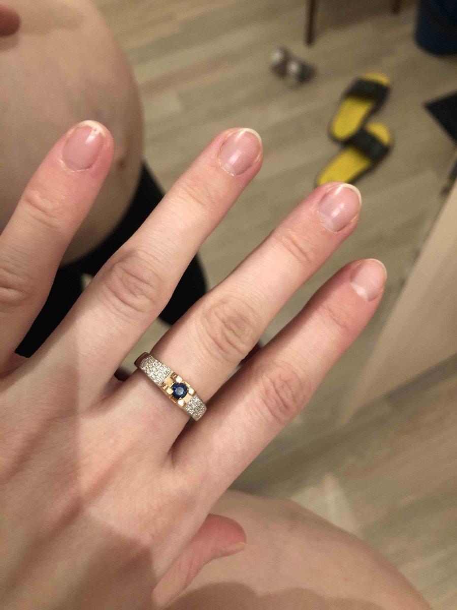 Кольцо с сапфиром 💙и бриллиантами 🤍