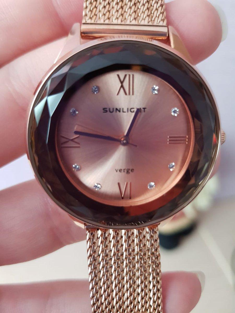 Заказал самовывоз, часы шикарные, очень красивые надёжные смотрятся дорого